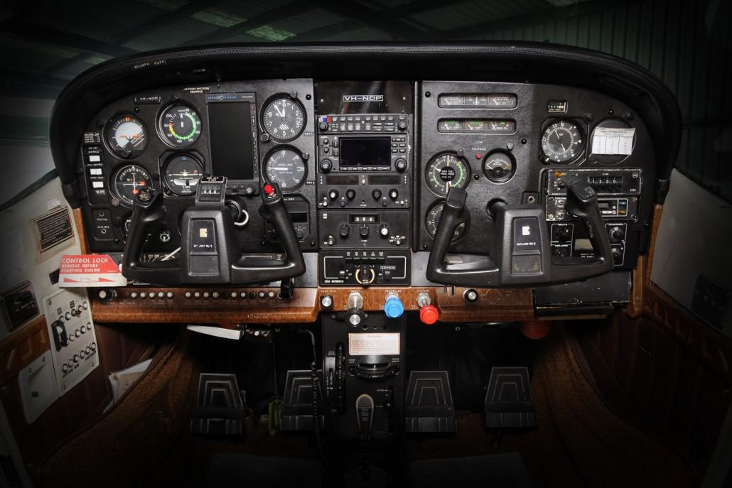 Cessna 182 Rg Vh Ndp Redcliffe Aero Club